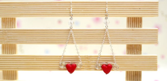 Easy Craft to Make Chain Earrings for Valentine's Day